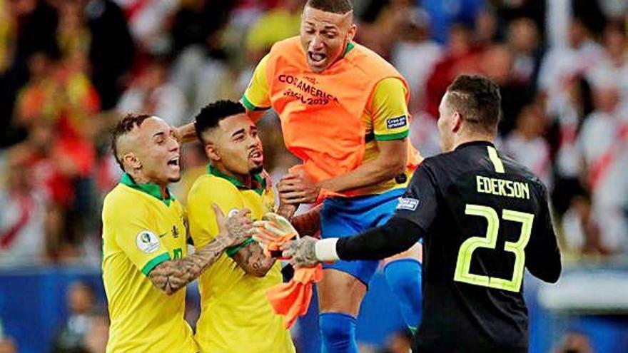 Gabriel Jesús, Everton y Richarlison dejan el título en Brasil