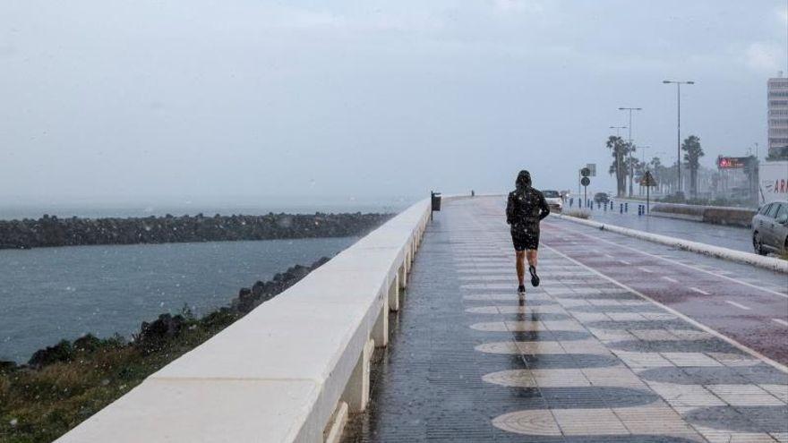 Lluvias débiles este sábado en un tiempo otoñal en Canarias