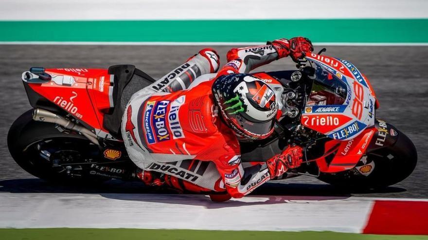 Jorge Lorenzo obté la 'pole' al circuit de Silverstone