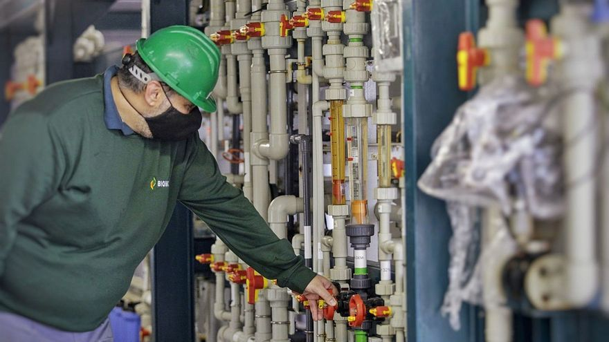 La industria canaria alerta de la marcha de fábricas por el tributo a los residuos