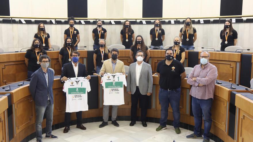 Reconocimiento en la Diputación a las «guerreras» subcampeonas de Copa