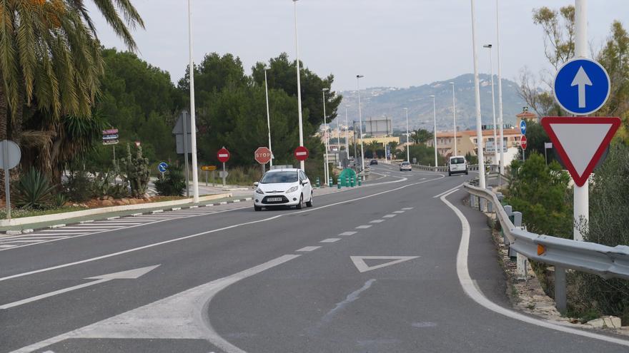 El Ayuntamiento de Calp adjudica las obras del vial determinante para iniciar las obras de la pasarela