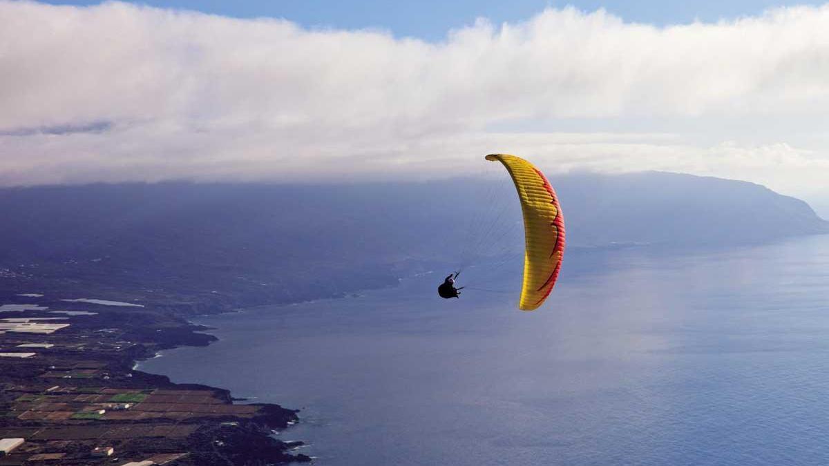 Desde 500 metros de altura podremos contemplar la playa de las Canteras, Las Palmas.
