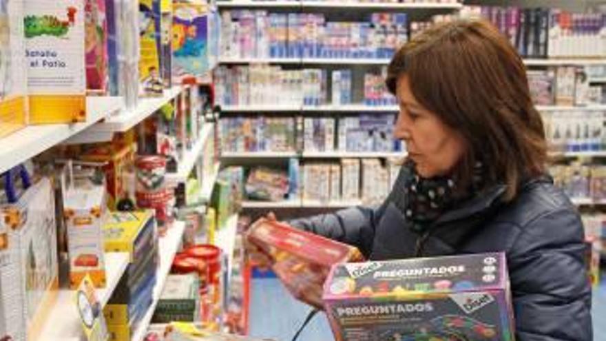 Els espanyols segueixen preferint les botigues tradicionals per davant d'internet