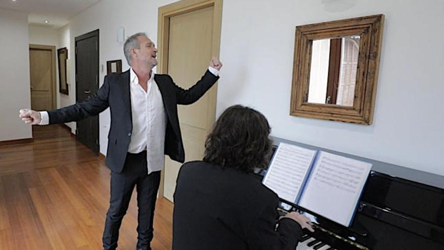 El amplificador: Gonzalo Benavides