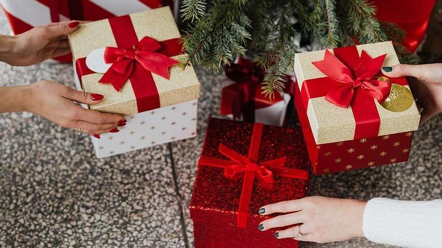 Roses tira endavant tres campanyes per estalviar en les compres de Nadal