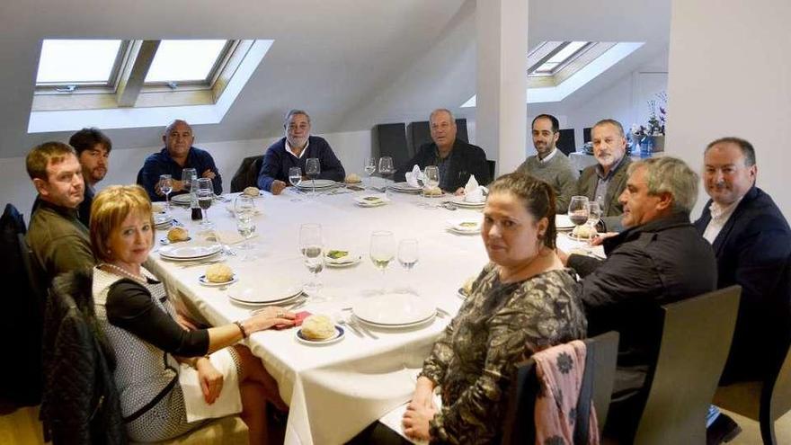 Los alcaldes del Consorcio despiden al expresidente, Julio Sacristán