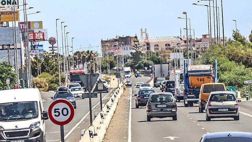 El tráfico lento y las retenciones vuelven a las travesías de la N-332 con la nueva normalidad
