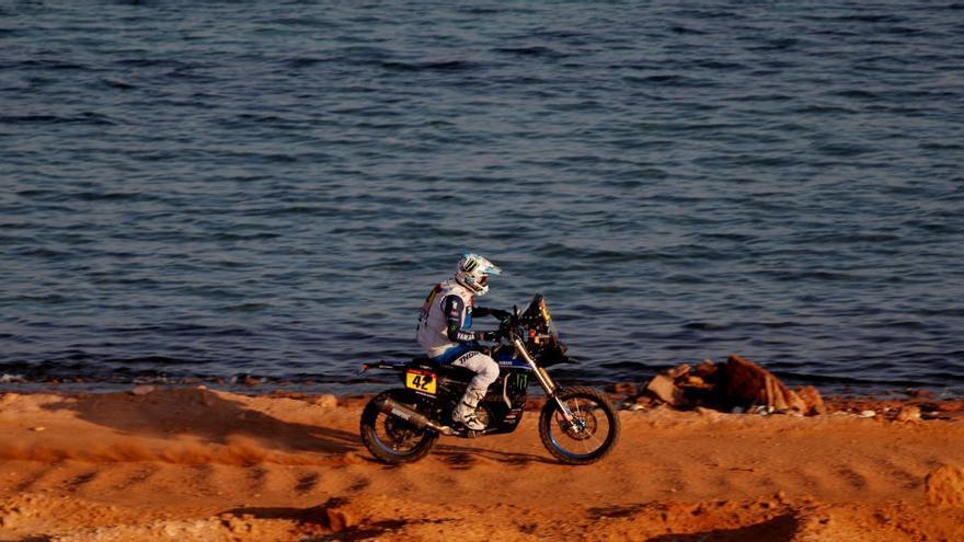 Jaume Betriu escala quatre posicions i ja és catorzè de la general de motos del Dakar