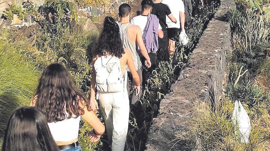 Fiesta ilegal de menores en una cueva de La Palma