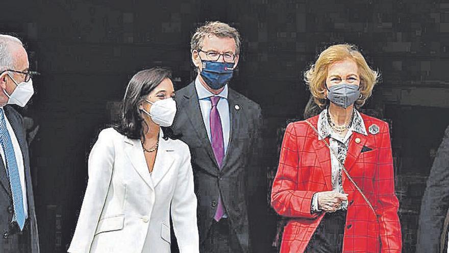 La Reina Sofía, en el Banco de Alimentos Rías Altas