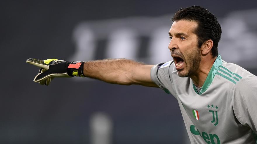 Buffon seguirá jugando hasta los 44 años