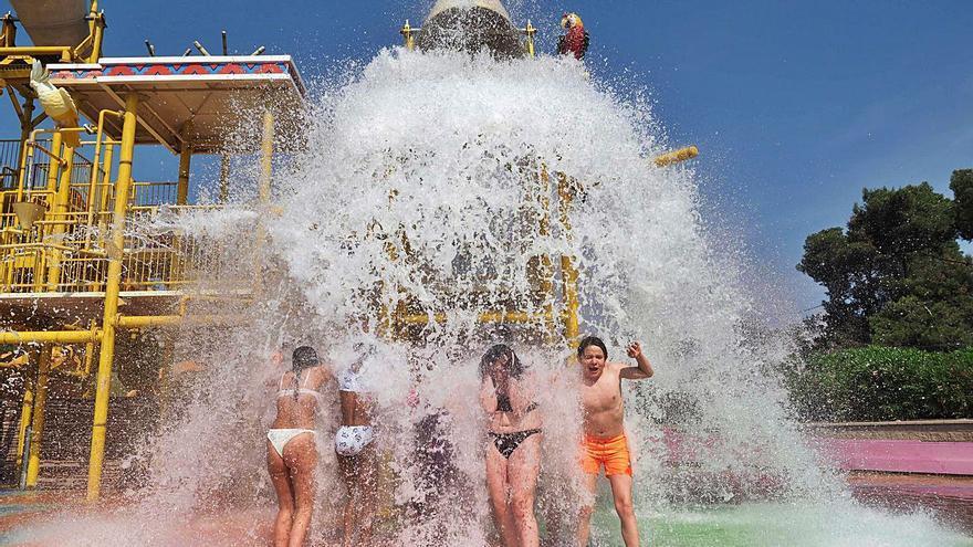 Tret de sortida a la temporada  de parcs aquàtics a la Costa Brava