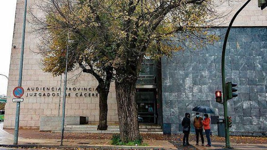 Una jueza deniega a una letrada aplazar un juicio en Extremadura en una fecha próxima al parto