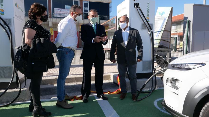San Fulgencio ya dispone de tres puntos de recarga de vehículos eléctricos