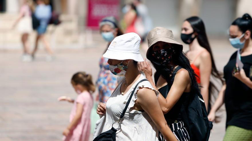El calor abrasador se mantendrá en el litoral malagueño este domingo, con aviso amarillo