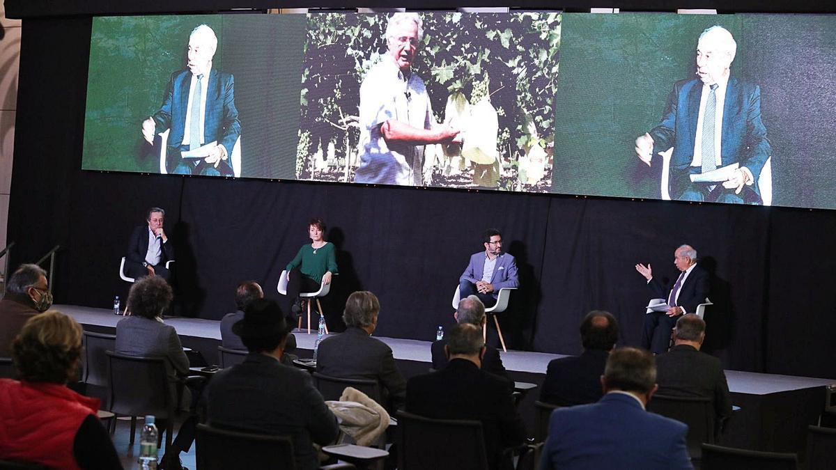 Una de las mesas de debate de la jornada de Alicante Gastronómica sobre los sectores y productos alicantinos. |
