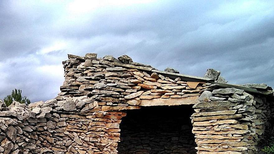 Millares y Beniatjar recuperan las construcciones de piedra en seco