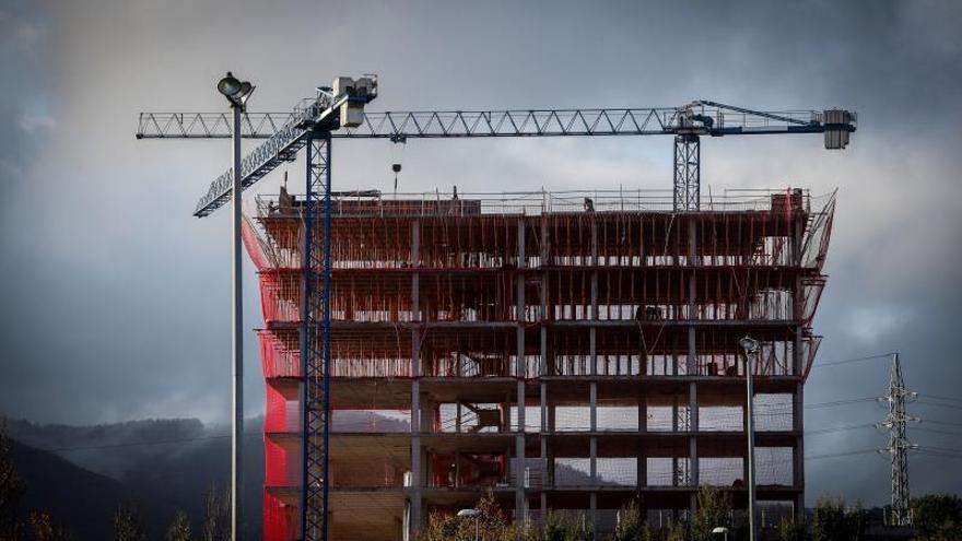 La pandemia hunde un 20% las compras de vivienda de los extranjeros en España