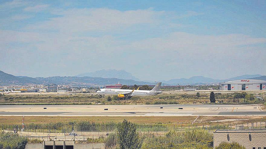 Vilalta planteja millorar el Prat sense ampliar la tercera pista i rebutja «contes de fades»