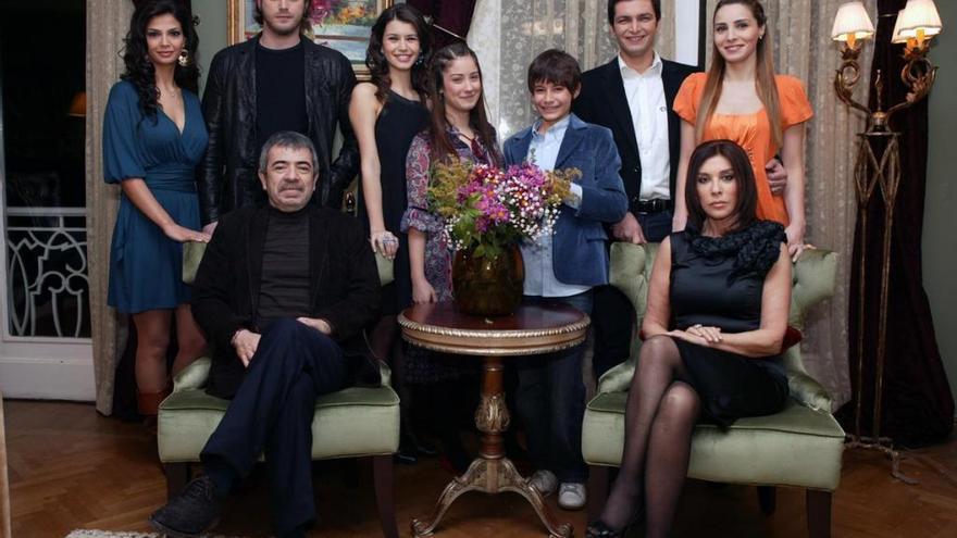 Amor Prohibido, la nueva serie turca de Nova que te enganchará este verano