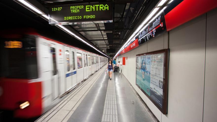 Detenido un joven que se grabó saltando ante un metro en marcha en Barcelona