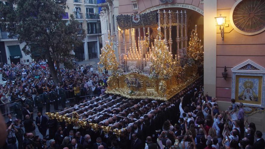 La Paloma recupera para Málaga el sueño de un palio en movimiento