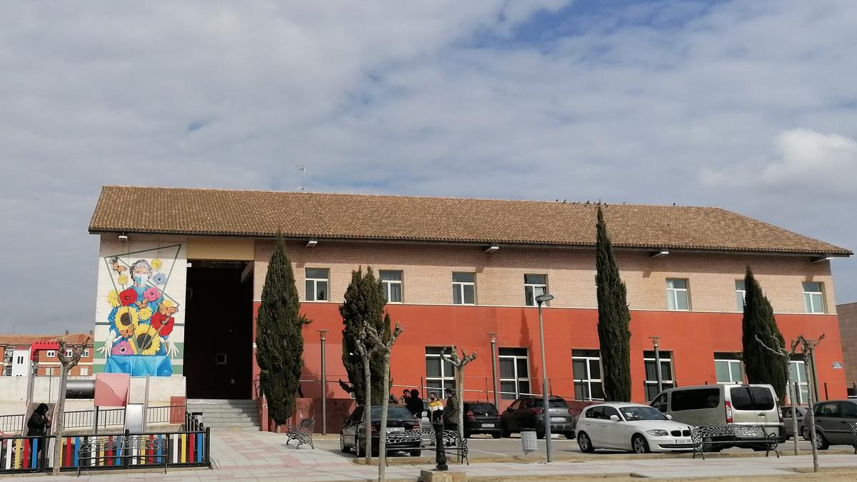 Plaza del Barón de Covadonga en la que está enclavado el centro de salud de Toro