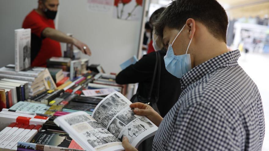 Las casetas de la Feria del Libro de Zamora se abren al público