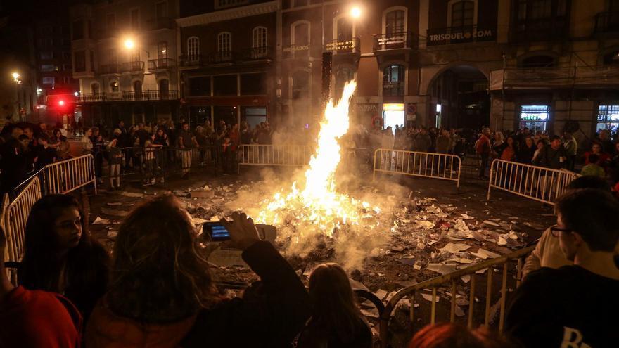 """Festejos de Avilés desiste de San Juan y promete """"trabajar coordinadamente"""" con hosteleros y vecinos para San Agustín"""