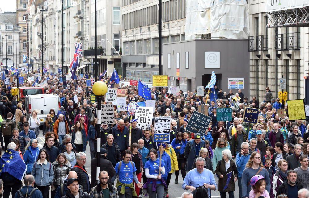 Miles de personas marchan por un nuevo Brexti