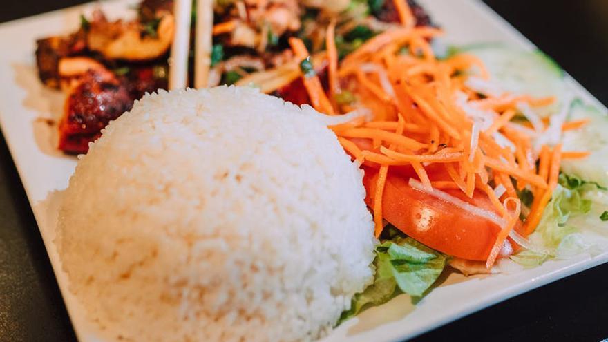 El arroz de moda que favorece la pérdida de peso, reduce el colesterol y ayuda con el intestino