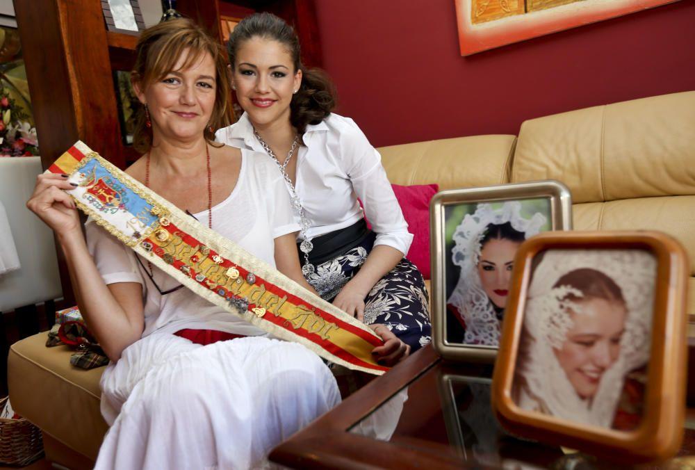 Mercedes Martínez de la Mata y Patricia Gadea han sido el primer caso en que una madre y una hija son Bellea del Foc. Mercedes lo fue en 1984 y Patricia en 2014.