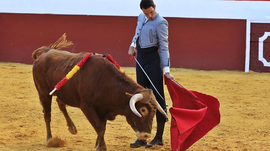Puerta firma dos trofeos en un festival celebrado en Huéscar