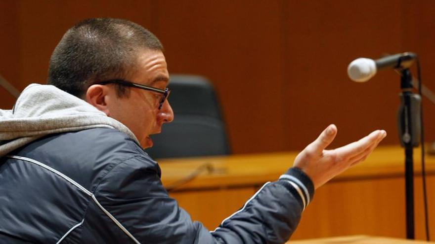 Afronta 38 años de cárcel tras admitir que abusó de 14 niñas en A Coruña