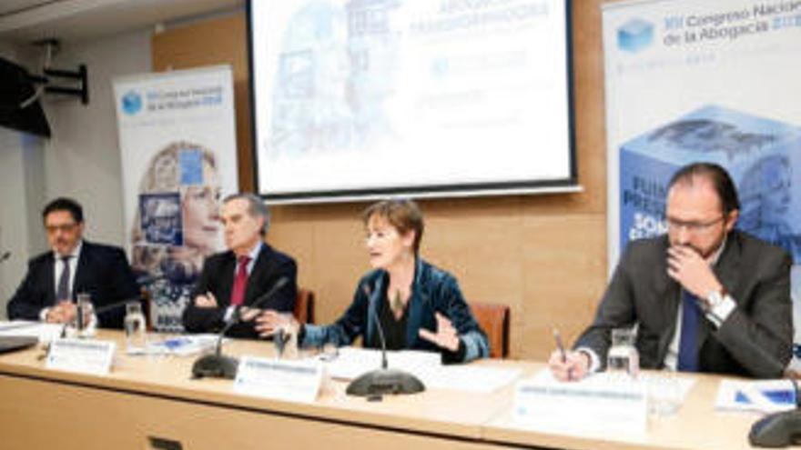 Los abogados exigen suspender todos los juicios ante el avance de la pandemia