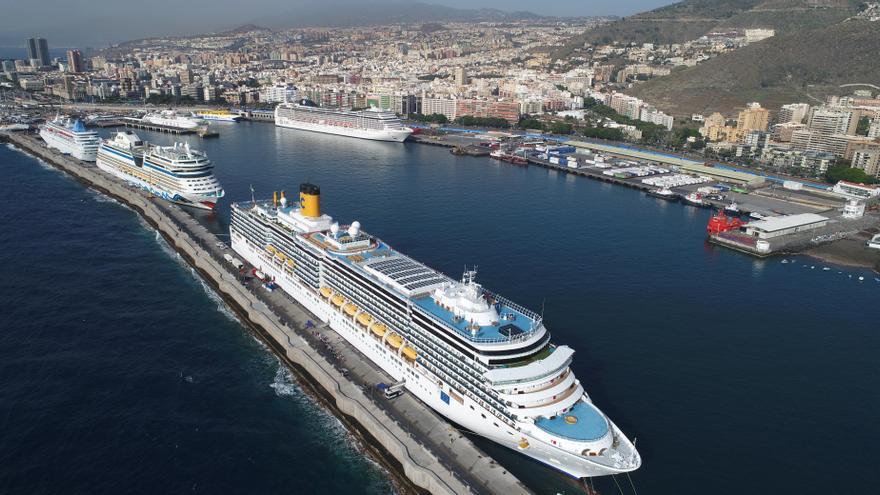 La UMH muestra su vínculo con el turismo de cruceros