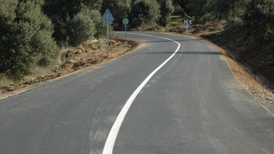 """Almaraz de Duero denuncia el """"parón"""" de las obras en dos carreteras"""