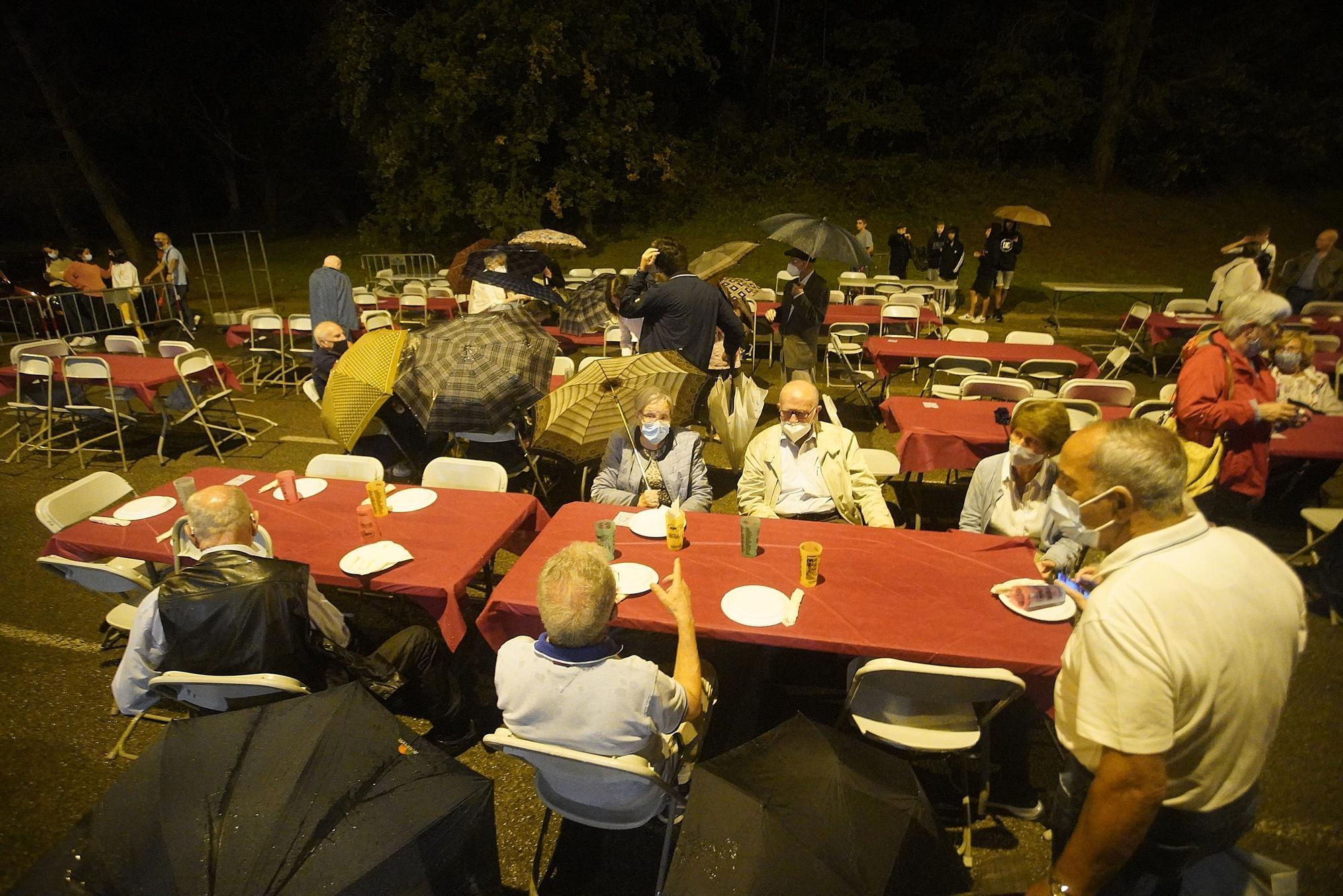 La pluja no impedeix el sopar de Palau