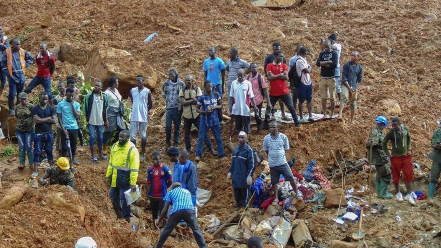Sierra Leona continúa buscando a 600 personas