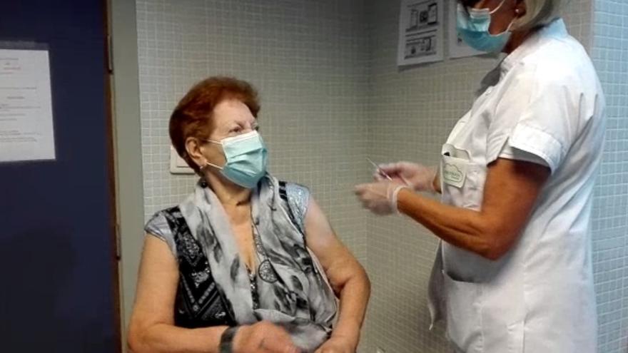 Inicio de la campaña de vacunación en Canarias