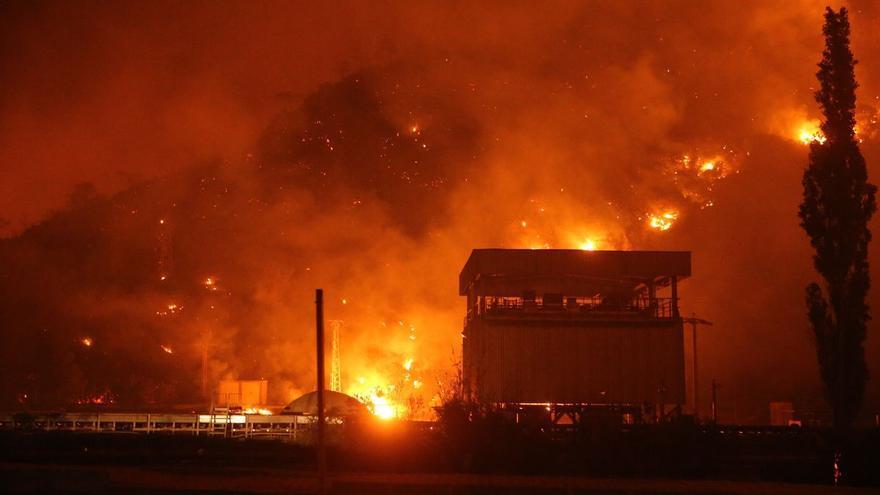 Grecia y Turquía batallan contra reloj para extinguir la ola de incendios