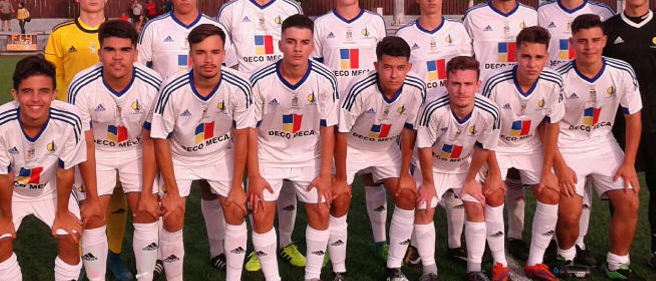 Una formación del primer equipo juvenil del Club Deportivo Maspalomas, segundo clasificado en Preferente.