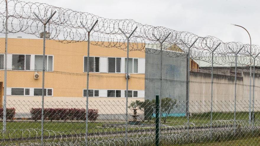 Un preso acepta 7 años de cárcel por clavarle un cuchillo casero a otro interno