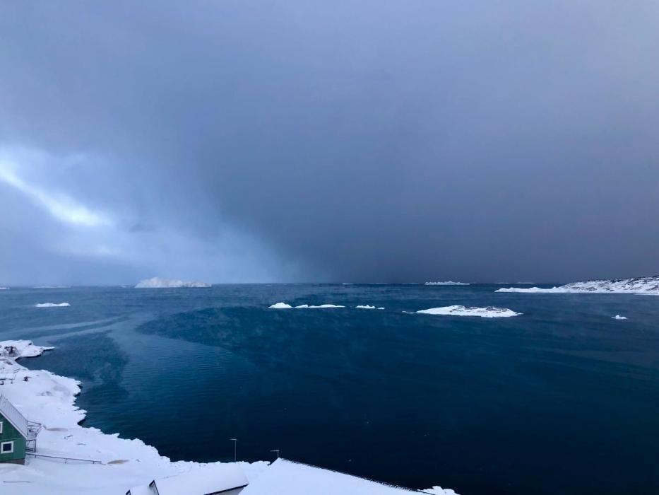 Cuarto día del Desafío Ártico lleva a Manuel Calvo hasta Qaanaaq