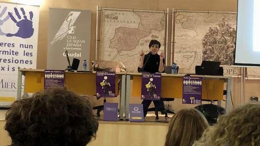 """Nuria González: """"El único filtro con los vientres de alquiler es el dinero"""""""