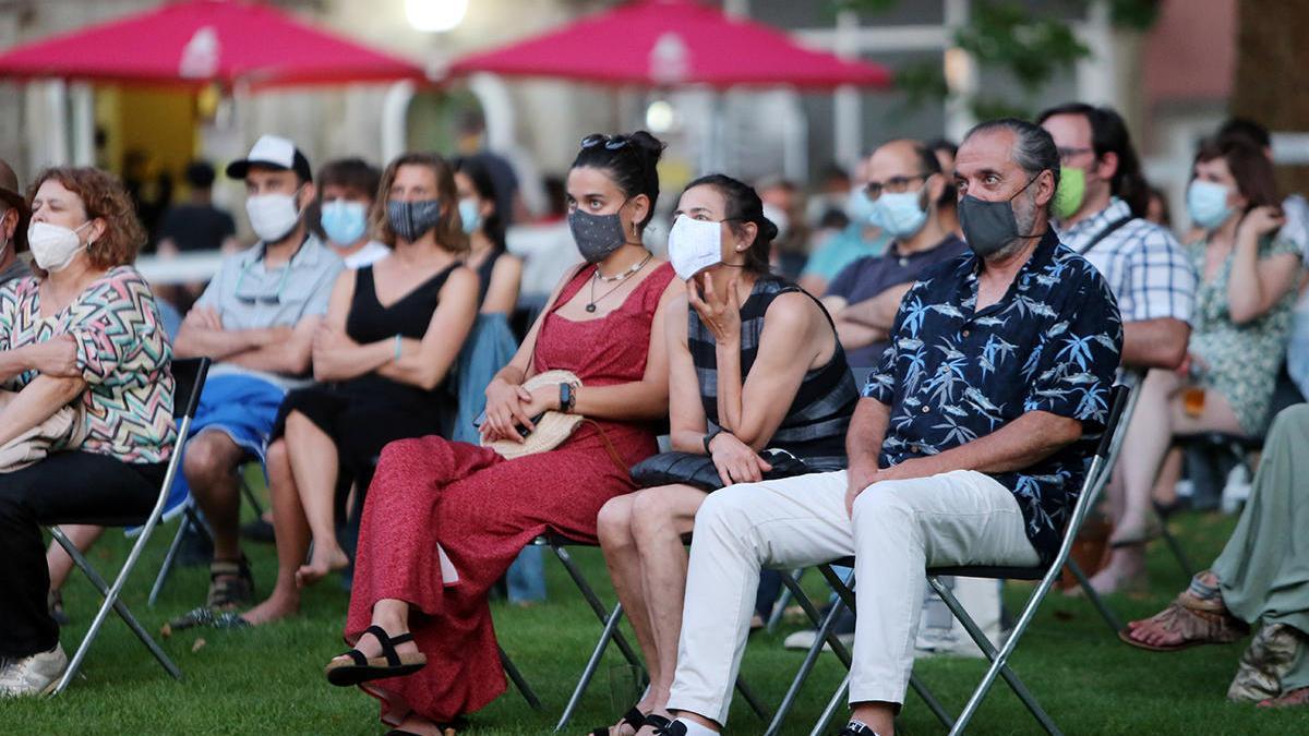 Público en un concierto de Sinsal Litoral, en julio // Marta G. Brea