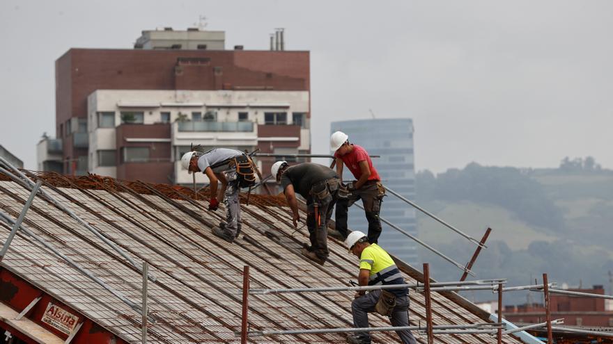La economía española creció un 1,1% en el segundo trimestre, dos puntos menos de lo previsto