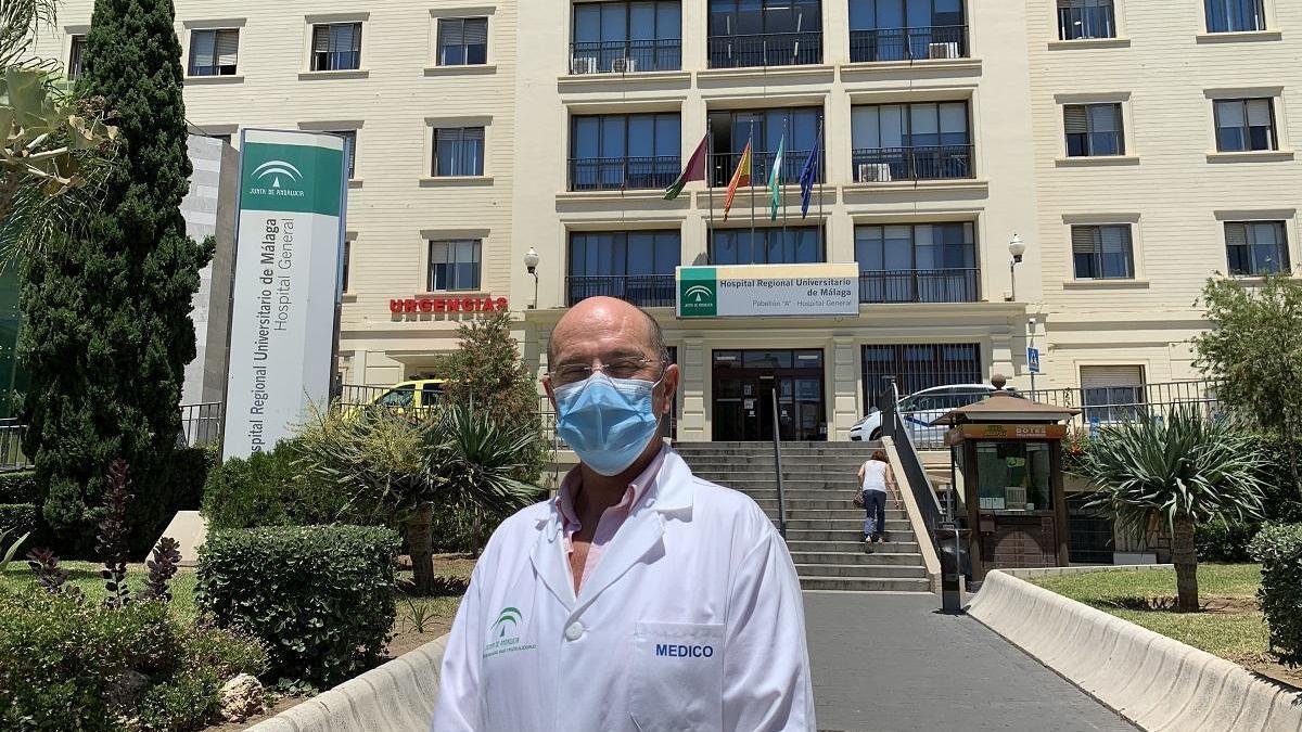 El jefe de Medicina Preventiva del Hospital Regional de Málaga, Salvador Oña.