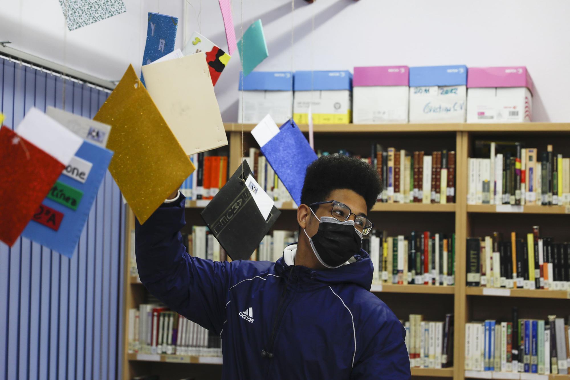 Los alumnos IES Mata Jove no renuncian a las cartas